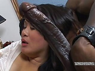 Curvy cutie Kiwi Ling is on her knees and sucking dick   asian blowjob cum cumshots