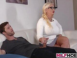 Stepdaughters Boyfriend Seduced By Mom   3some boyfriend cougar milf